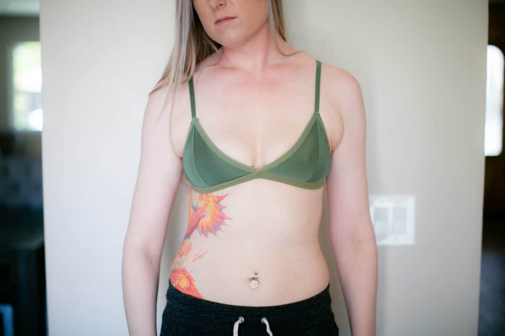 Green bralette with sweatpants